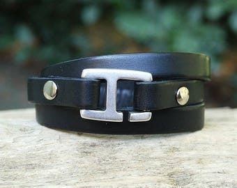 Leather bracelet for men black leather with H - 3 turns hook clasp
