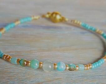 Elegant Gold and Aventurine Beaded Bracelet