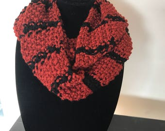 Ladies knitted figure 8 scarf and matching slouchy beanie