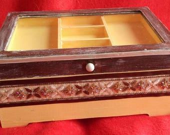 Brown and cream Oriental jewelry box