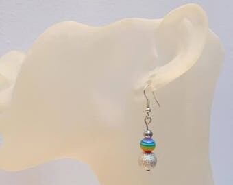 2 gray and multicolor beads earrings