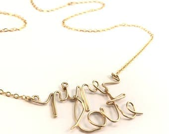 "Mood ""chatty"" funny pun message necklace"