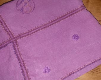 Vintage tablecloth dyed in purple and 4 napkins