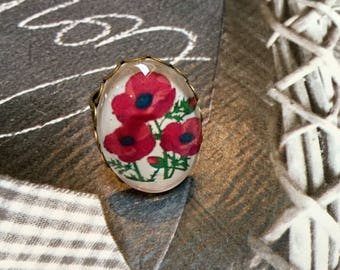 Ring oval cabochon poppies