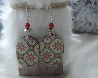 Stylish Oriental earrings in polymer clay and beads