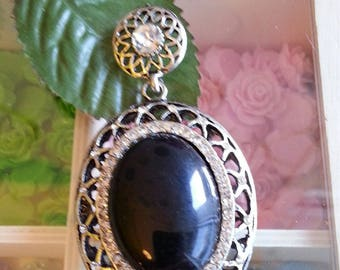 Silver antique plated alloy resin oval pendants, black, 58 x 42 x 14 mm, hole: 5 x 7 mm