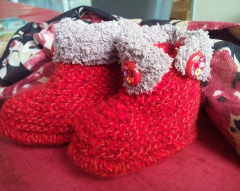 Small knitted Heather red booties handmade