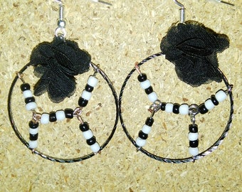 Silver round shape with beads earrings