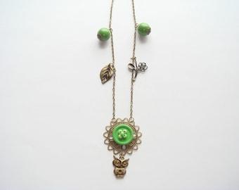 Bronze Pearl pendant necklace Green