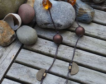 Necklace in shades of Brown