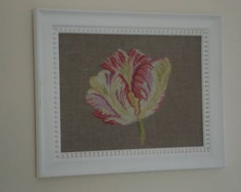 "Flower embroidered ""Tulipa"" and its frame"