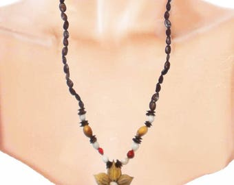 Ethnic necklace seeds