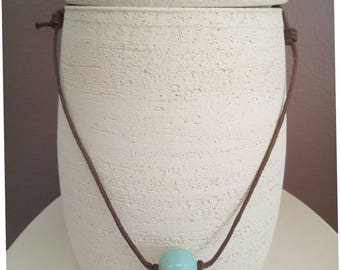 Turquoise ceramic bead pendant necklace