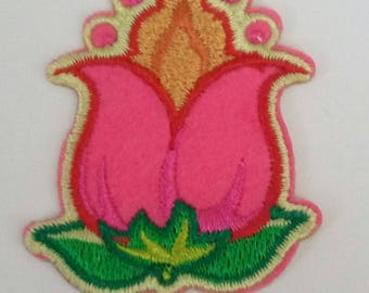 applique motif patch has iron fusible embroidered flowers 5 x 4 cm