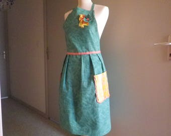 Reversible apron yellow and green
