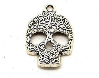 Silver metal skull charm