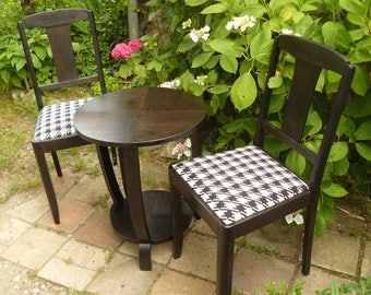 Pair of chairs and table vintage redesigned in black and white