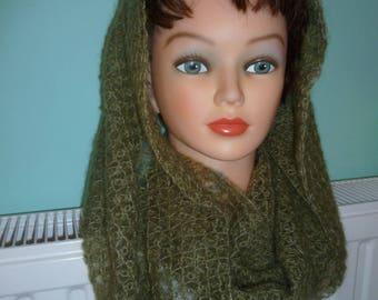 Choker / Apple green snood mohair and silk gently