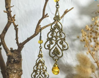 Filigree and amber charms earrings