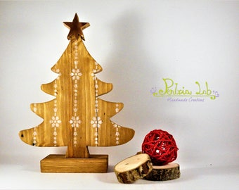 Reclaimed wood sapling with copper star, height 25 cm