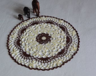 Doily handmade cotton Brown and yellow gradient.