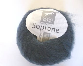 Wool soprano color twilight white horse