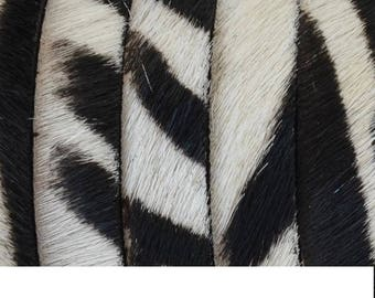 "Flat leather ""ZEBRA"" - 10 x 2, 1 mm - black & white - 20 cm."