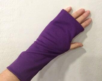 Fingerless gloves purple and mustard yellow flower print
