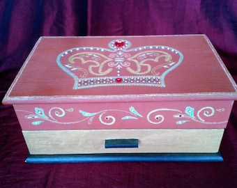 "Wooden jewelry box ""His Royal Highness"""