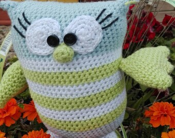 Crocheted owl, amigurumi, made blanket, hand knit, plush