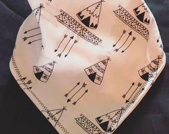 Bandana bib with teepees and arrows
