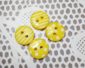 Set of 4 small round buttons plastic yellow patterned