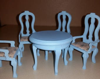 Dollhouse miniature dining room table and 4 chairs
