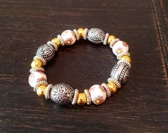 Floral Pink and Gold Beaded Bracelet