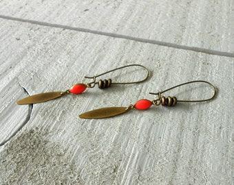 Bronze earring, drop mini enameled rose and pearls