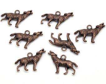 Copper colored metal (x 4) 3D Wolf charm