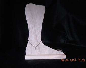 DISPLAY leg to ANKLE chain, wood paint (P)