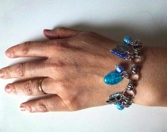 blue glass and metal charms Beads Bracelet