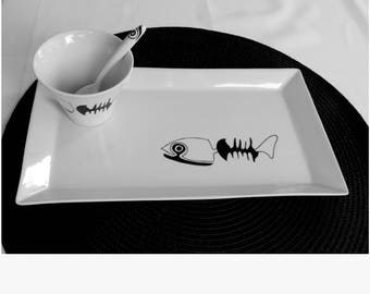 Crustaceans, its saucer and spoon plate