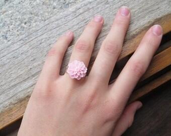 Resin - light pink adjustable flower ring