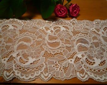 White stretch lace 15 cm wide