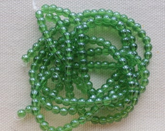 1 strand of 80 green 4 mm to create color glass beads
