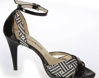 Sandal In Black Leather Women