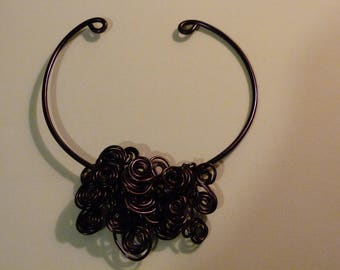 THE FULLY ALUMINUM PLUM WIRE CHOKER NECKLACE