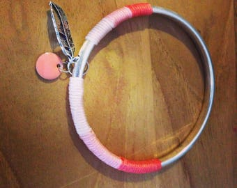 Bangle wire in shades of pink jade