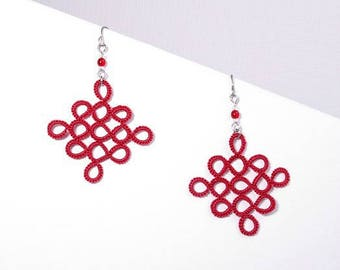 Lace red checkerboard diamond earrings