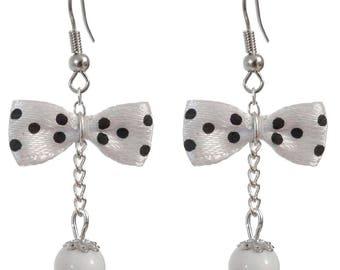 Earrings style retro bow tie black polka dots on white