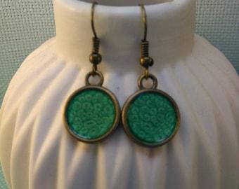 * 35 * pair of earrings in bronze color green