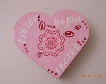 PINK BOX HEART DECOR FLOWER STYLED, RHINESTONES, WORDS