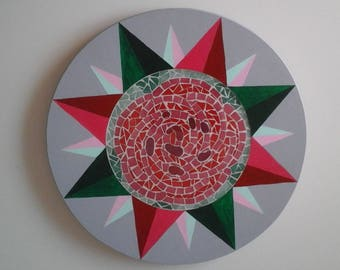 Tray turning red rose decoration in painted and varnished compass rose mosaic